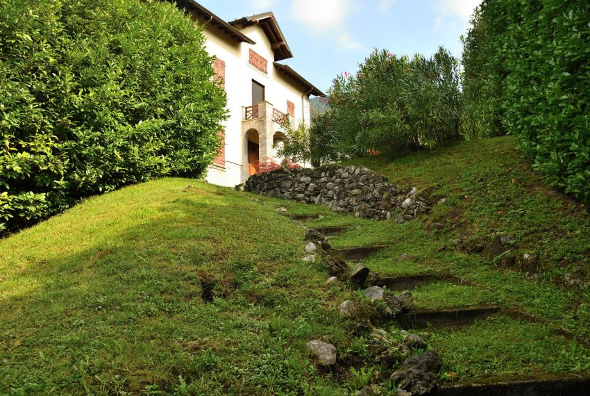 2. Elegant Villa Castiglione Intelvi