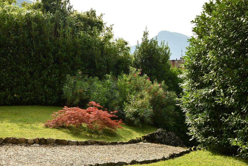 6. Garden in elegant Villa Valle Intelvi