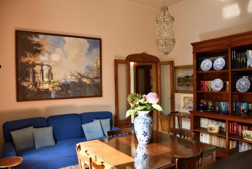 9. Studio with sofa ground floor Castiglione Intelvi