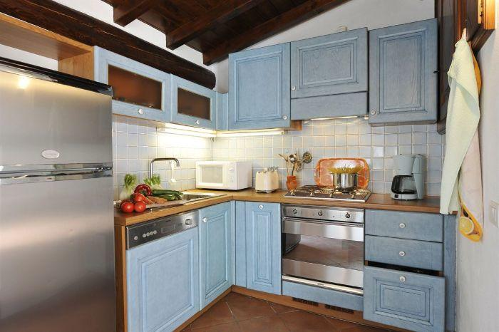 9. Villa Florines Lenno kitchen
